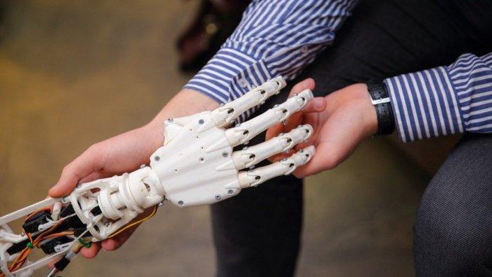 Робот человеку инструмент. Как хедхантеры выстраивают отношения с новинками IT–рынка